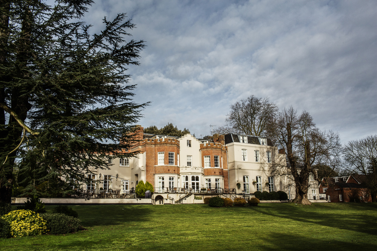 Taplow_House_Hotel_Wedding_Photographer_Maidenhead_027.jpg