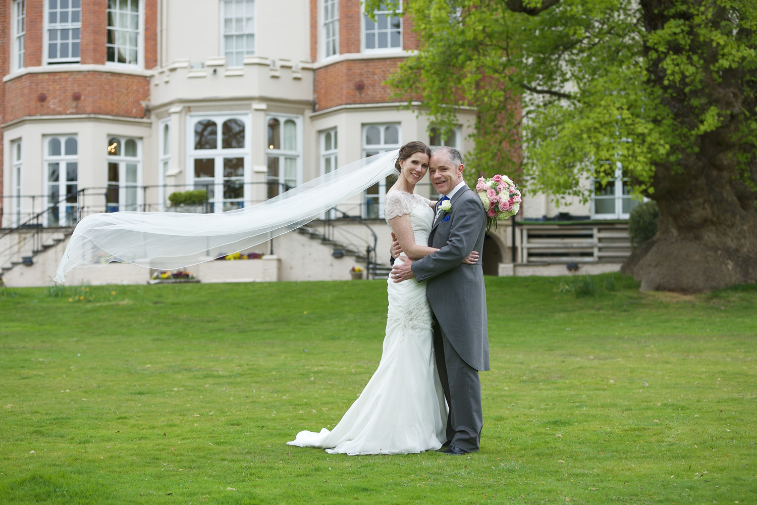 Taplow_House_Hotel_Wedding_Photographer_Maidenhead_040.jpg