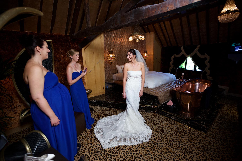 Crazy_Bear_Wedding_Photographer_Stadhampton_014.jpg