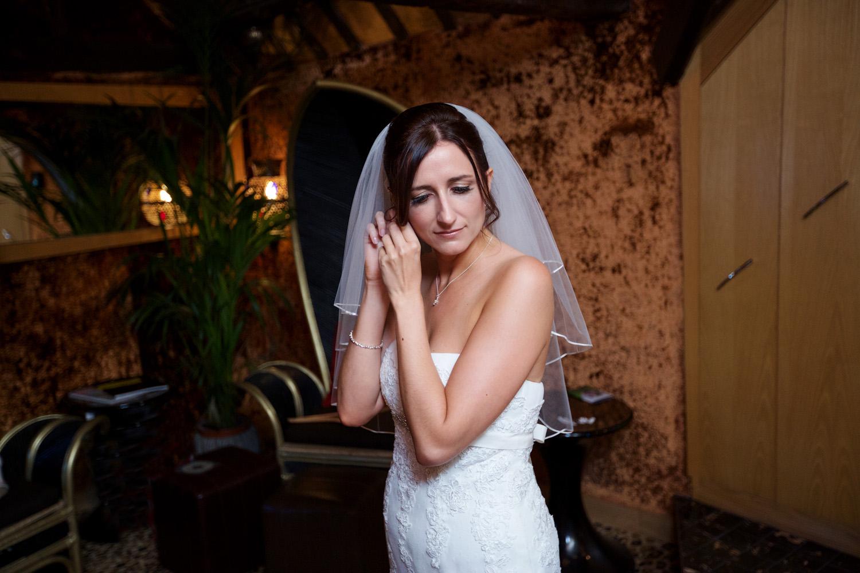 Crazy_Bear_Wedding_Photographer_Stadhampton_015.jpg