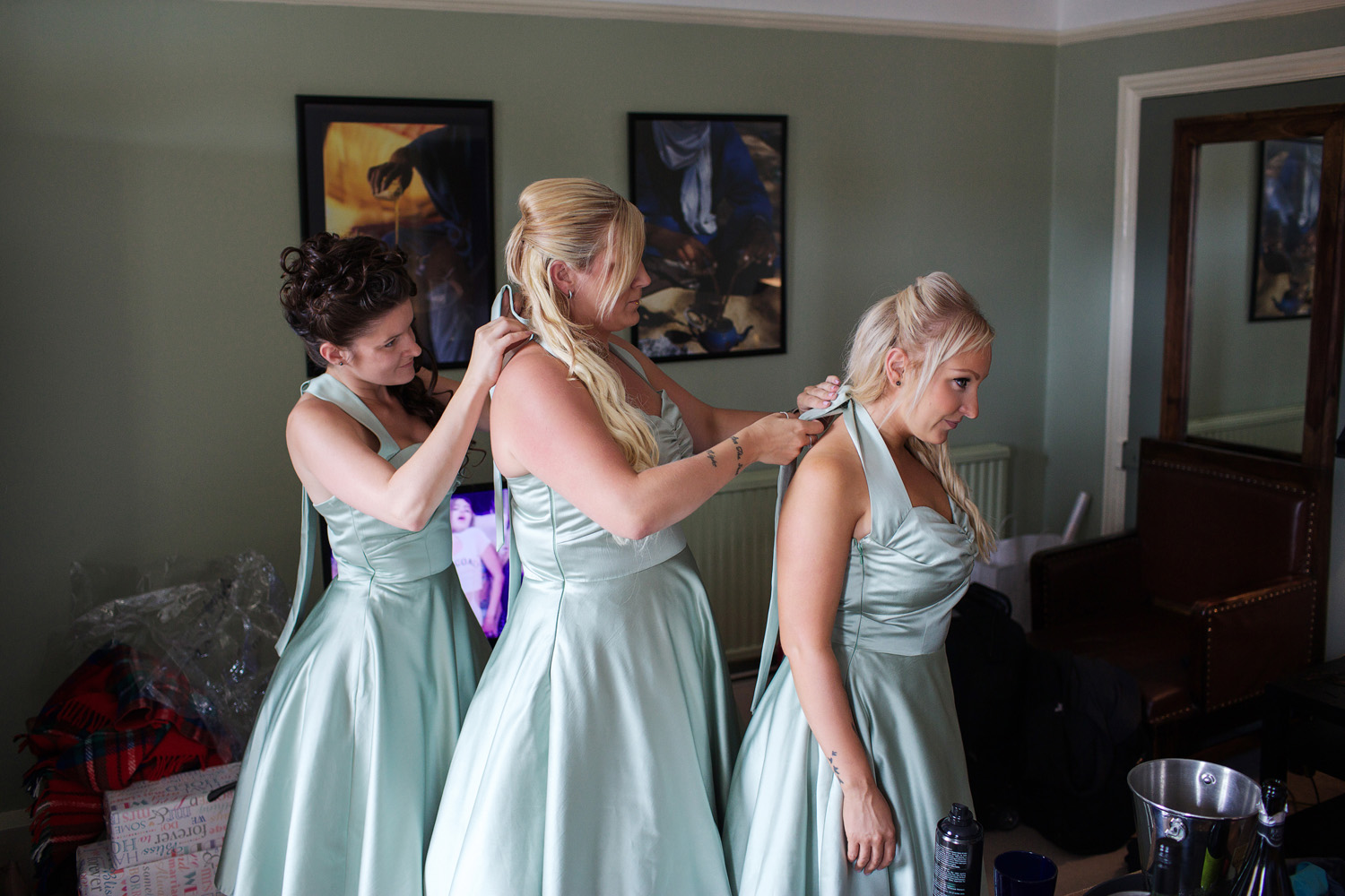 The_Elephant_Wedding_Photographer_Pangbourne_003.jpg