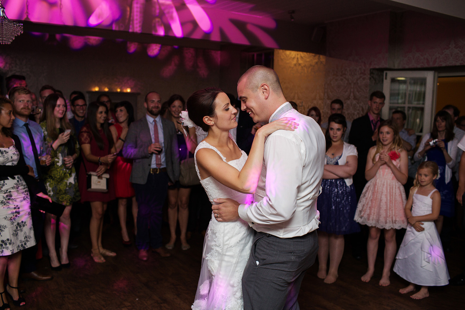 The_Elephant_Wedding_Photographer_Pangbourne_017.jpg