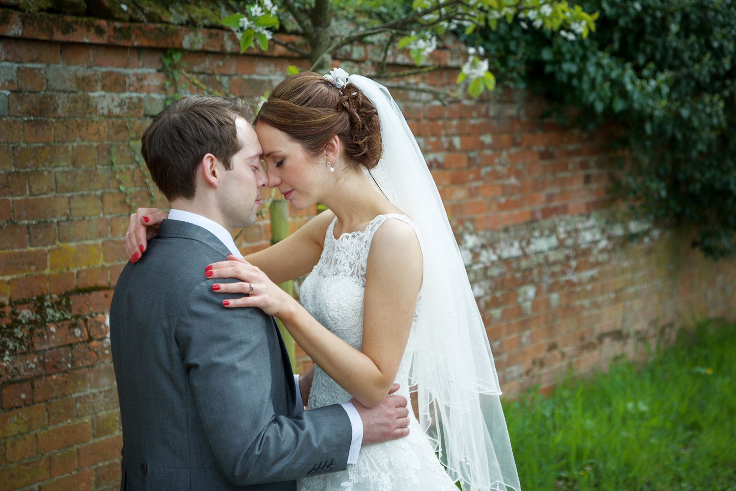 The_Mill_House_Wedding_Photographer_Swallowfield_025.jpg