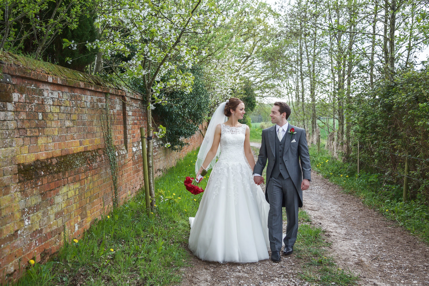 The_Mill_House_Wedding_Photographer_Swallowfield_027.jpg