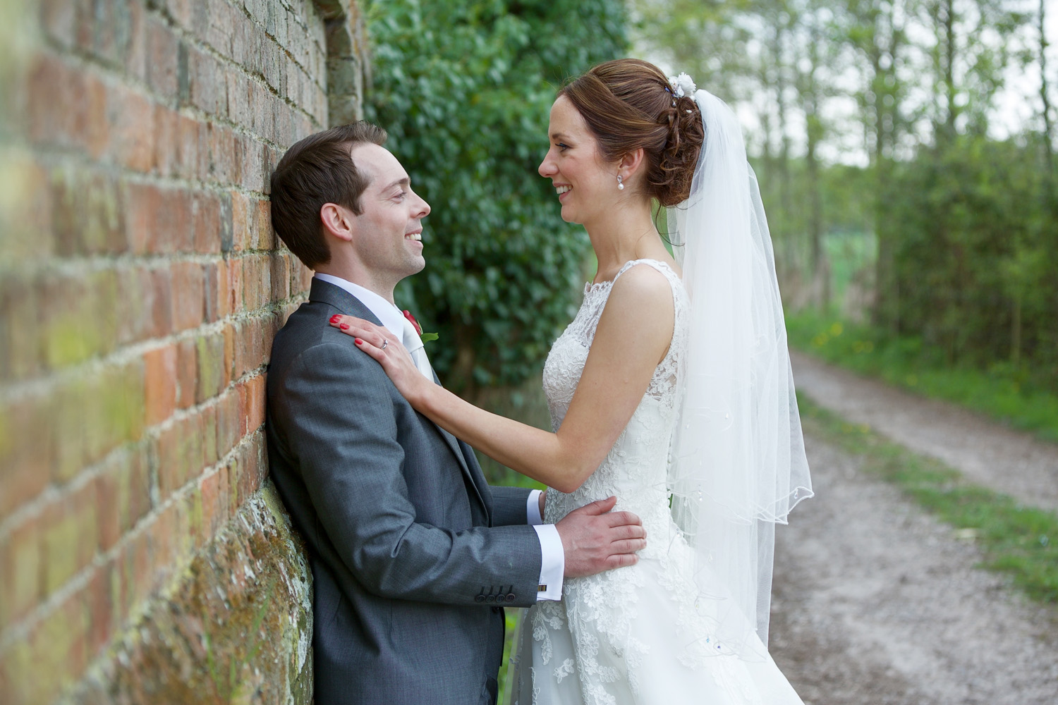The_Mill_House_Wedding_Photographer_Swallowfield_029.jpg