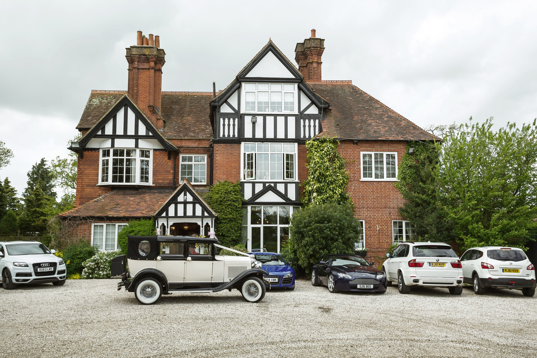 Trunkwell_House_Wedding_Photographer_Reading_Berkshire_013.jpg
