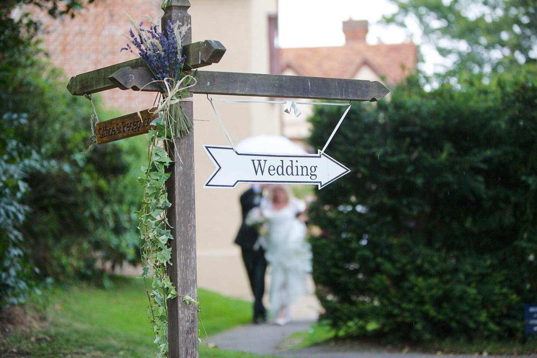 Ufton_Court_Barn_Wedding_Photographer_Reading_Berkshire_014.jpg