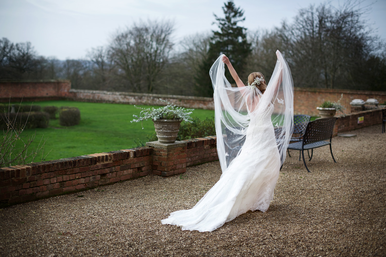 Ufton_Court_Barn_Wedding_Photographer_Reading_Berkshire_020.jpg