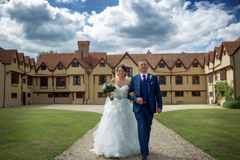 Ufton_Court_Barn_Wedding_Photographer_Reading_Berkshire_027.jpg