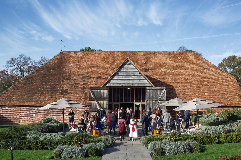 Ufton_Court_Barn_Wedding_Photographer_Reading_Berkshire_030.jpg