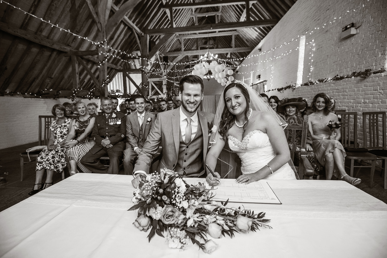 Ufton_Court_Barn_Wedding_Photographer_Reading_Berkshire_035.jpg