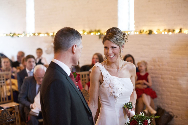 Ufton_Court_Barn_Wedding_Photographer_Reading_Berkshire_039.jpg