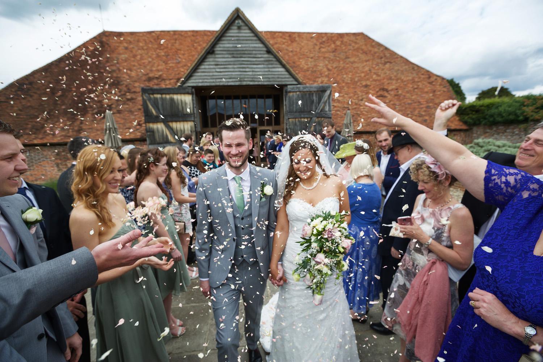 Ufton_Court_Barn_Wedding_Photographer_Reading_Berkshire_040.jpg