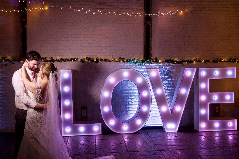 Ufton_Court_Barn_Wedding_Photographer_Reading_Berkshire_046.jpg