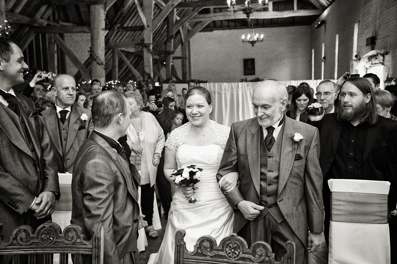 Ufton_Court_Barn_Wedding_Photographer_Reading_Berkshire_045.jpg