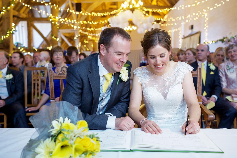 Ufton_Court_Barn_Wedding_Photographer_Reading_Berkshire_049.jpg