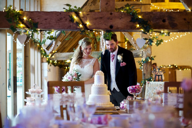 Ufton_Court_Barn_Wedding_Photographer_Reading_Berkshire_057.jpg