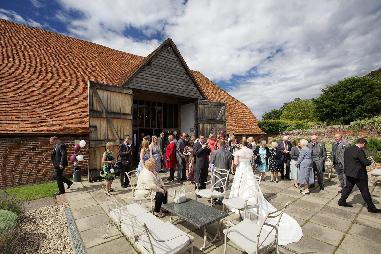 Ufton_Court_Barn_Wedding_Photographer_Reading_Berkshire_059.jpg