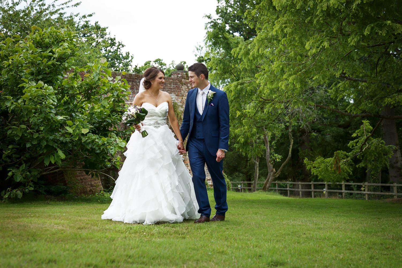 Ufton_Court_Barn_Wedding_Photographer_Reading_Berkshire_075.jpg