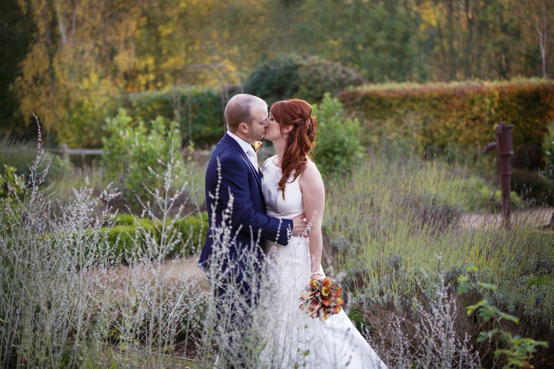 Ufton_Court_Barn_Wedding_Photographer_Reading_Berkshire_077.jpg