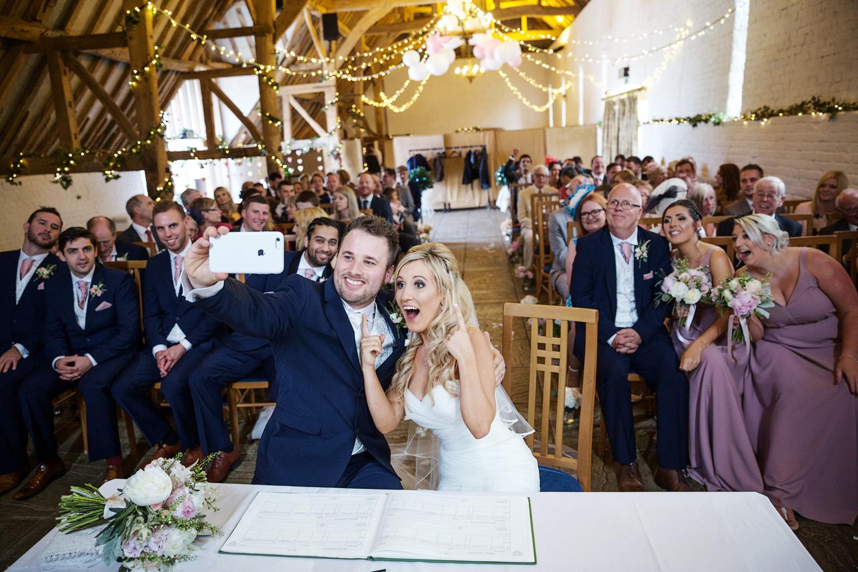 Ufton_Court_Barn_Wedding_Photographer_Reading_Berkshire_081.jpg