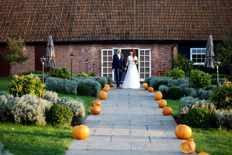 Ufton_Court_Barn_Wedding_Photographer_Reading_Berkshire_082.jpg