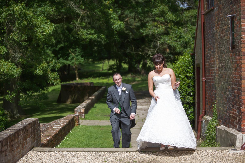 Ufton_Court_Barn_Wedding_Photographer_Reading_Berkshire_095.jpg
