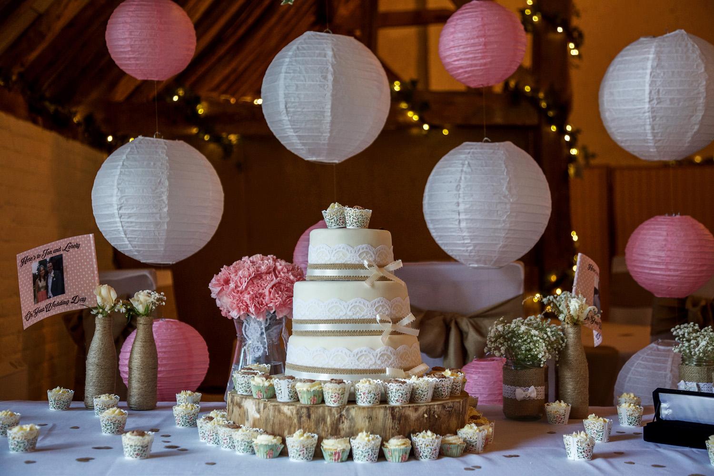 Ufton_Court_Barn_Wedding_Photographer_Reading_Berkshire_100.jpg