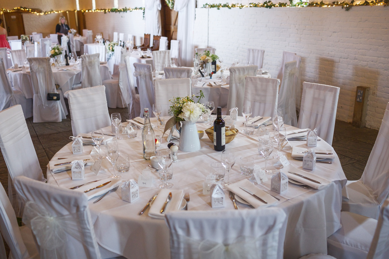 Ufton_Court_Barn_Wedding_Photographer_Reading_Berkshire_103.jpg
