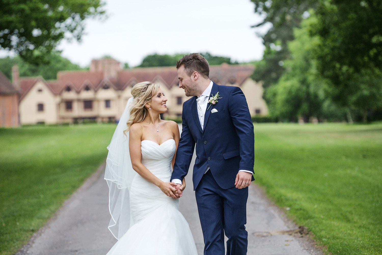 Ufton_Court_Barn_Wedding_Photographer_Reading_Berkshire_105.jpg