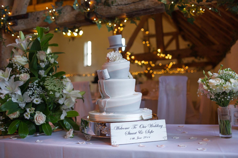 Ufton_Court_Barn_Wedding_Photographer_Reading_Berkshire_110.jpg