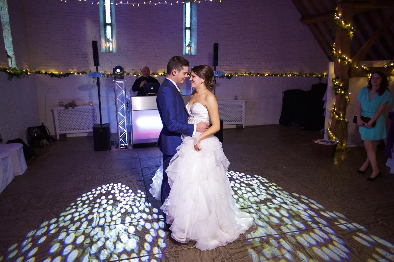 Ufton_Court_Barn_Wedding_Photographer_Reading_Berkshire_111.jpg