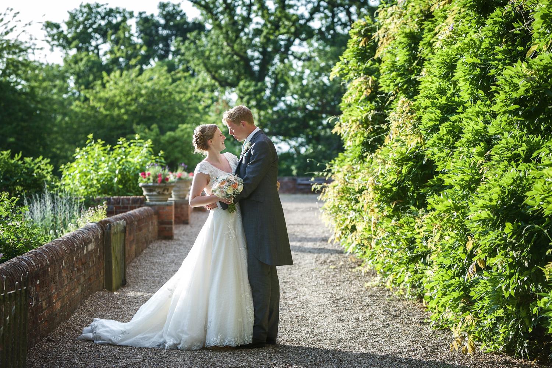 Ufton_Court_Barn_Wedding_Photographer_Reading_Berkshire_113.jpg