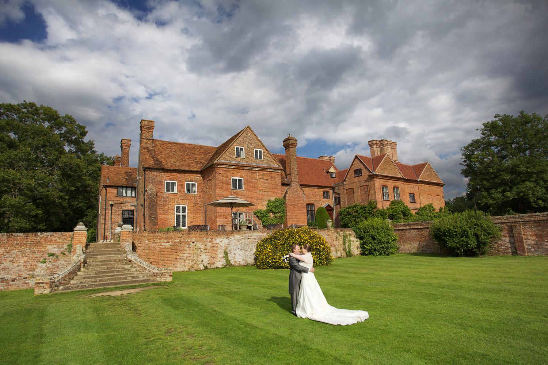 Ufton_Court_Barn_Wedding_Photographer_Reading_Berkshire_116.jpg