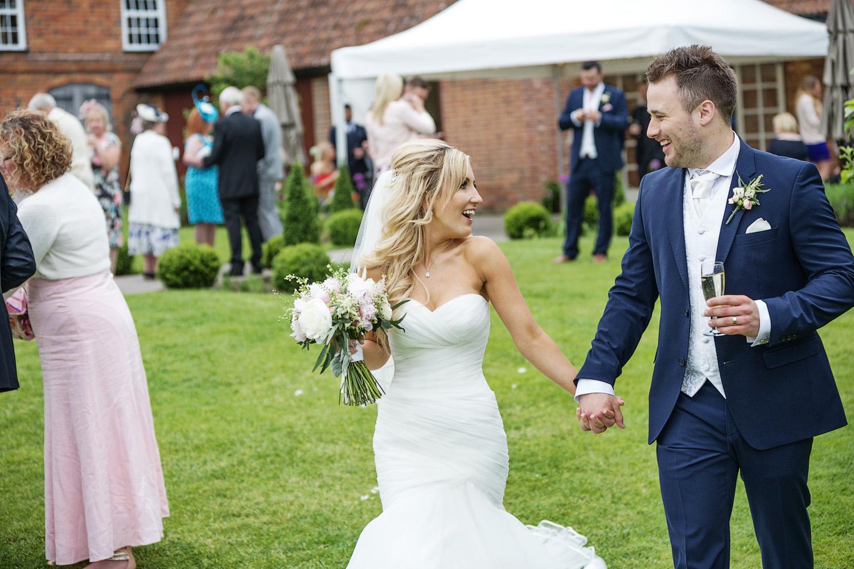 Ufton_Court_Barn_Wedding_Photographer_Reading_Berkshire_120.jpg