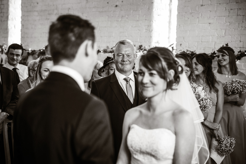 Ufton_Court_Barn_Wedding_Photographer_Reading_Berkshire_135.jpg