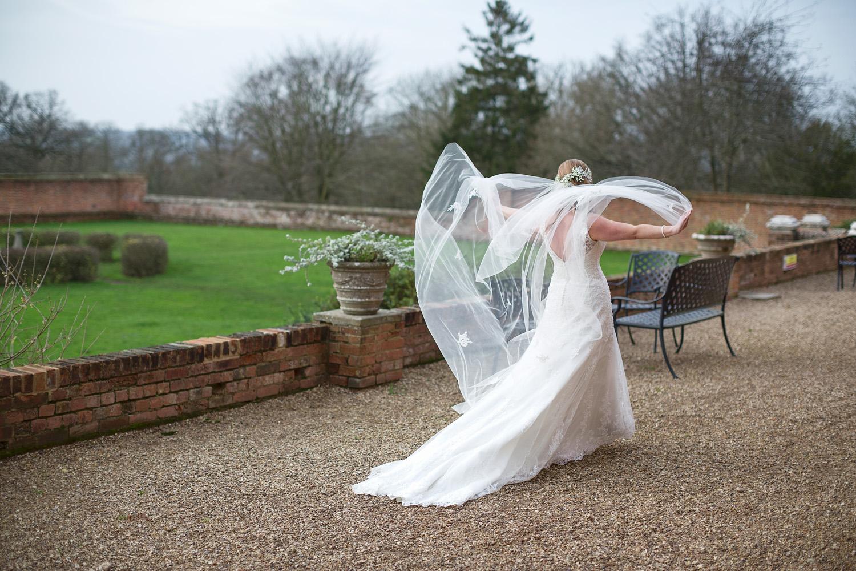 Ufton_Court_Barn_Wedding_Photographer_Reading_Berkshire_141.jpg