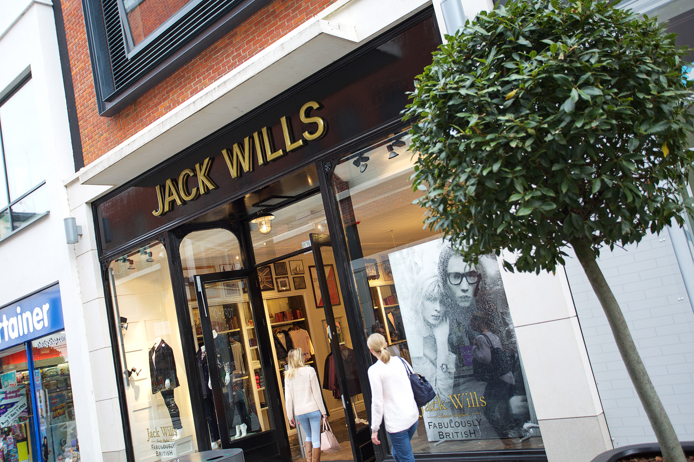 Retail_Fashion_Photographer_Newbury_Berkshire_011.jpg