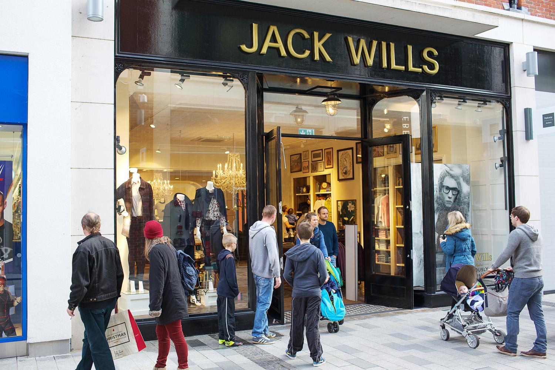 Retail_Fashion_Photographer_Newbury_Berkshire_042.jpg