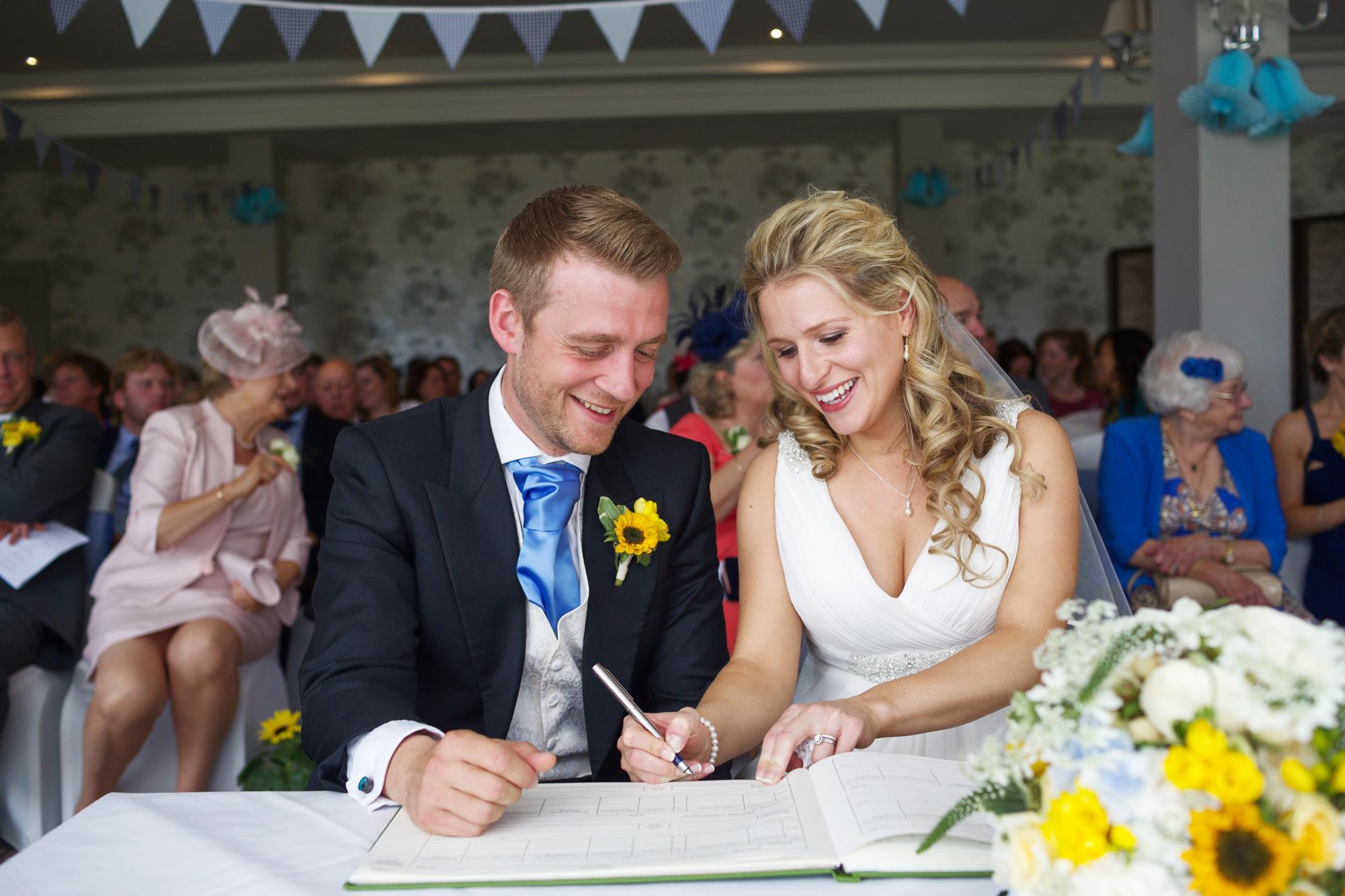 Adam_Hillier_Wedding_Photographer_Newbury_Berkshire_7.jpg