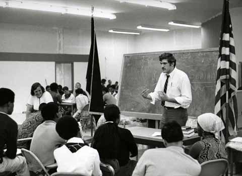 John Czerniejewski teaching a course at HP