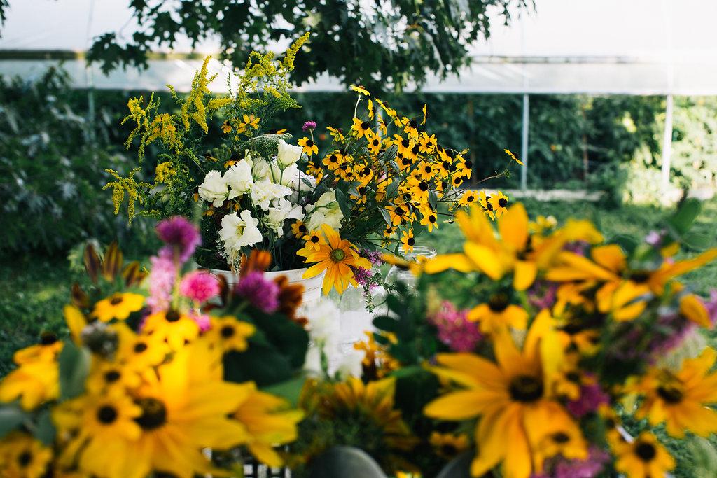 Farmhouse.Flowers_at_Mayneland.Farm-6950.jpg