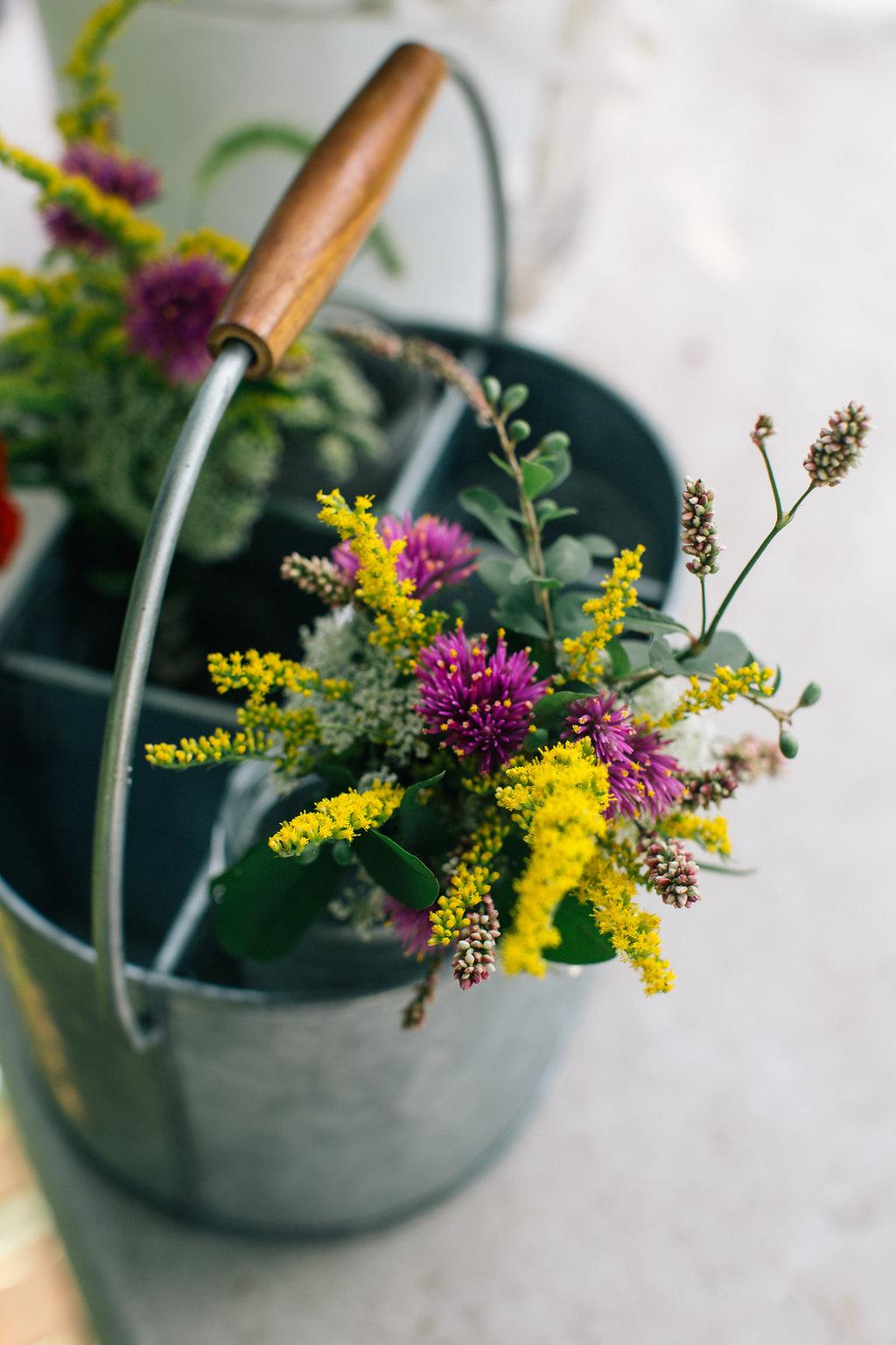 Farmhouse.Flowers_at_Mayneland.Farm-6953.jpg