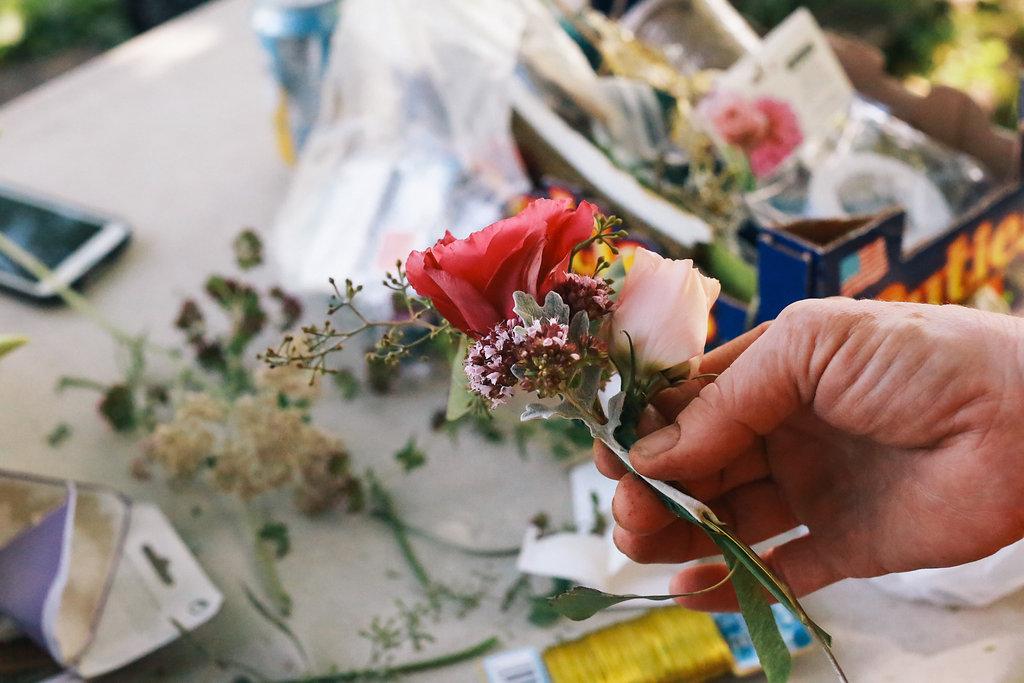Farmhouse.Flowers_at_Mayneland.Farm-5778.jpg