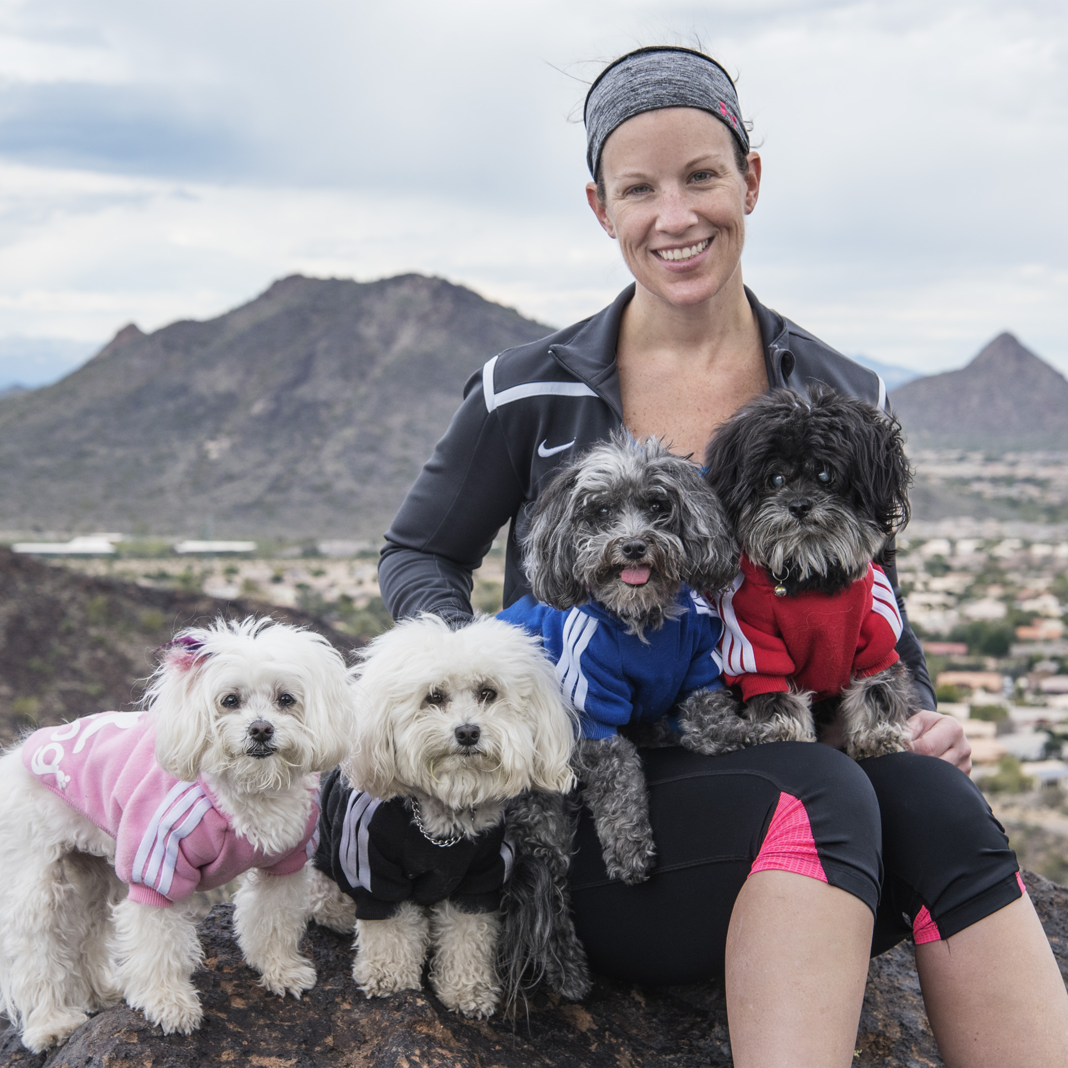 Aunt Lori got in a pre-half marathon workout by climbing Thunderbird Mountain with us! Hope she can still move those legs tomorrow!