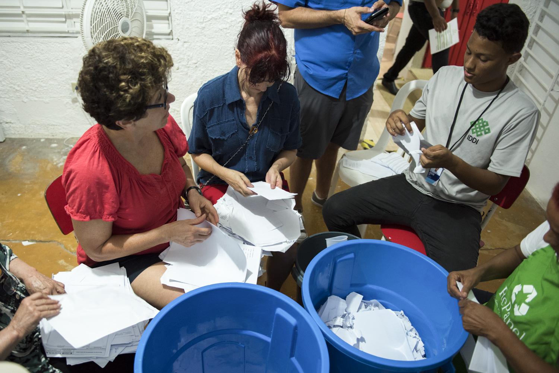 Volunteer_Hand Made Paper_Boise Photographer-10.jpg