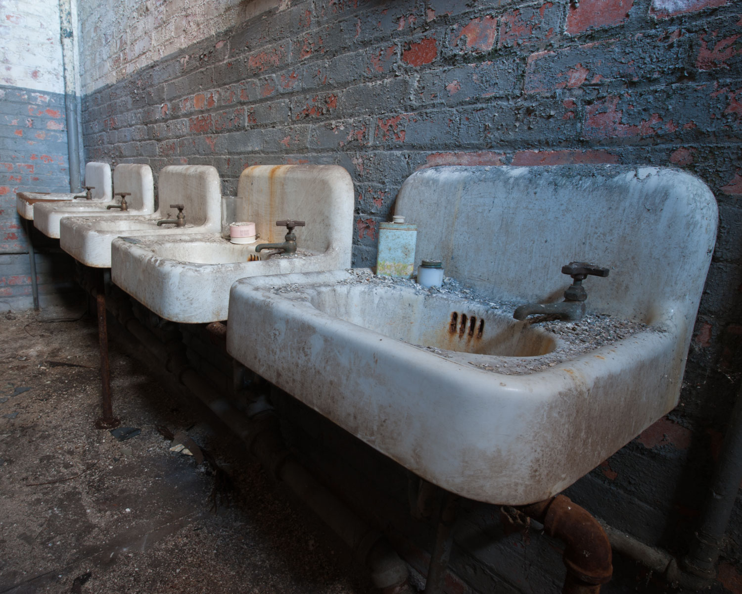 Abandoned Silk Mill_Boise Photographer_Sink.jpg