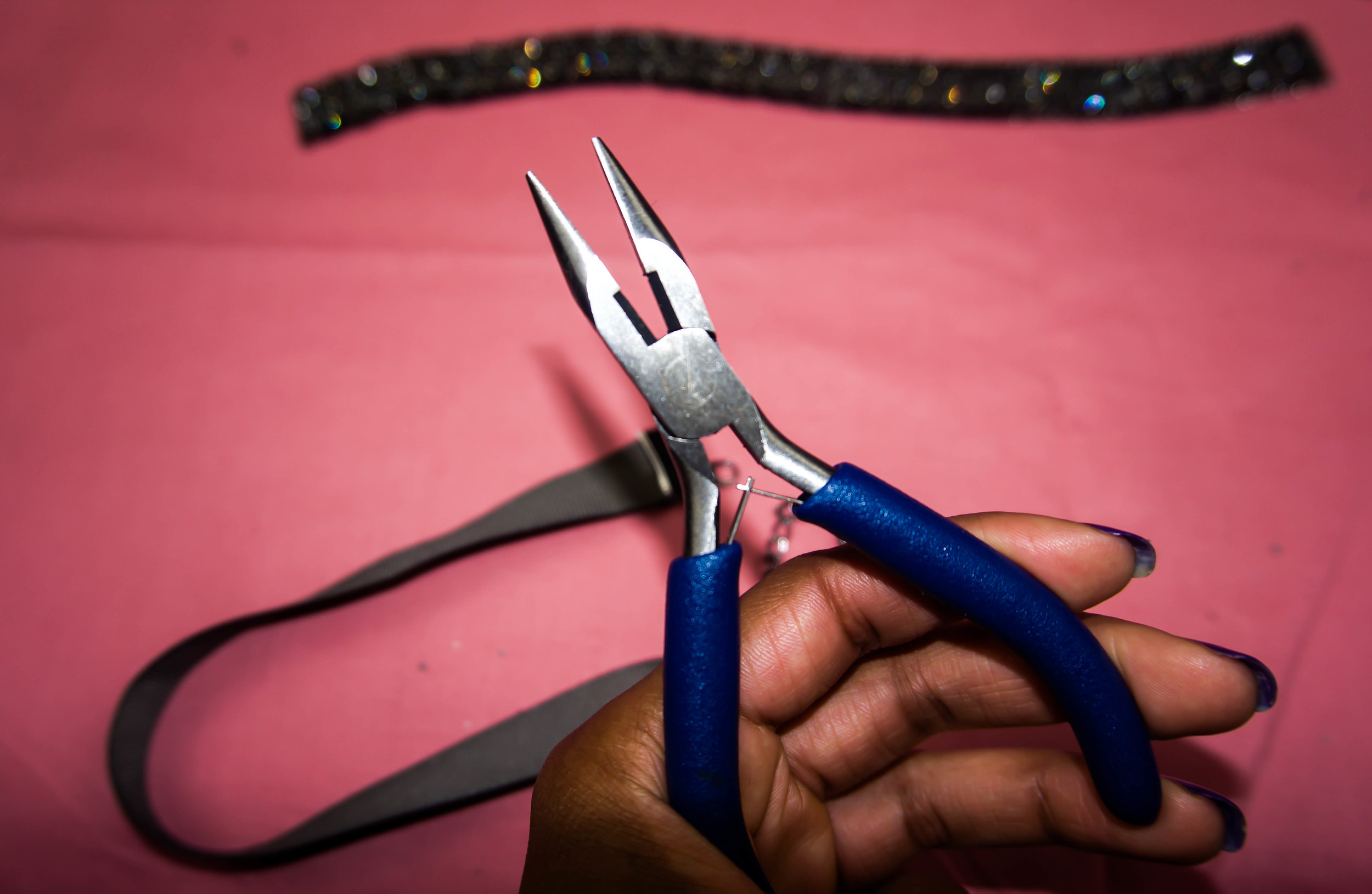 These are Flat Nose (w/o teeth) Pliers, used to clamp down your crimp end closure.
