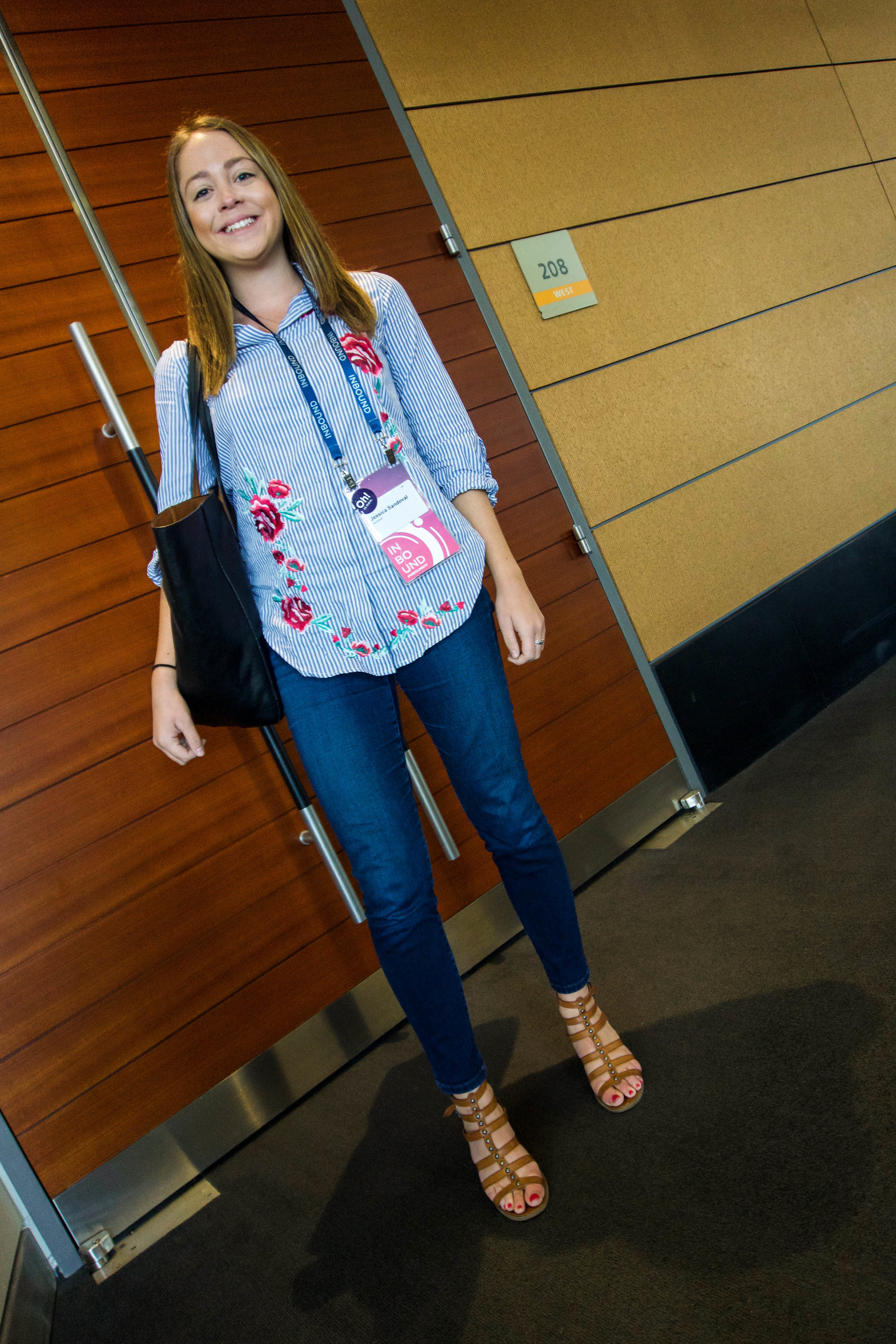 Hubspot Inbound marketing conference - outfit - what to wear - boston convention center - jeans - sandals