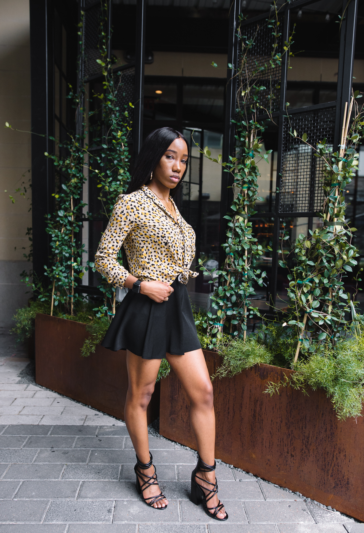 how to dress broad shoulders - broad shoulders women - how to make your shoulders smaller - animal print - leopard print - bylolitajewelry - missguided - zara - forever 21 - fall fashion trends - fall style - fall fashion colors - outfit inspiration - instagram baddie - black model - autumn fashion